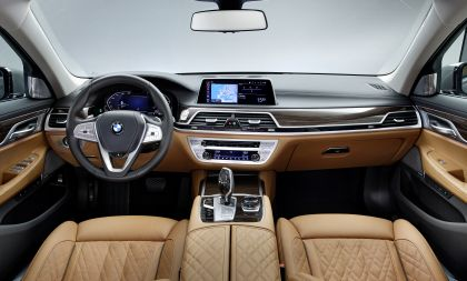 2020 BMW 750Li 25