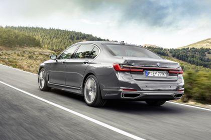2020 BMW 750Li 35