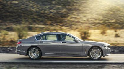 2020 BMW 750Li 37