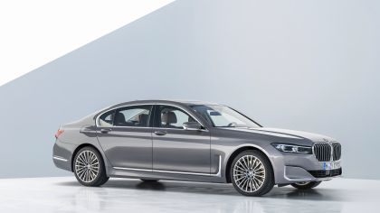 2020 BMW 750Li 43