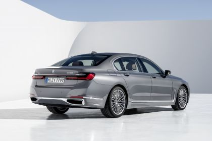 2020 BMW 750Li 46
