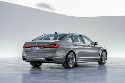 2020 BMW 750Li 48