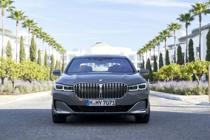 2020 BMW 750Li 86