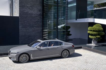 2020 BMW 750Li 95