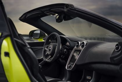 2019 McLaren 600LT spider 42