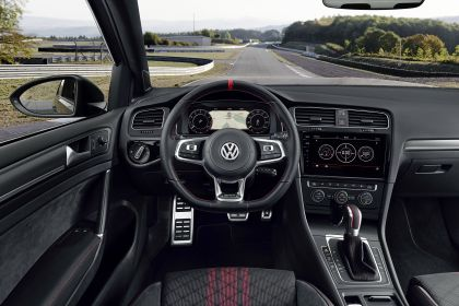2019 Volkswagen Golf ( VII ) GTI TCR 105