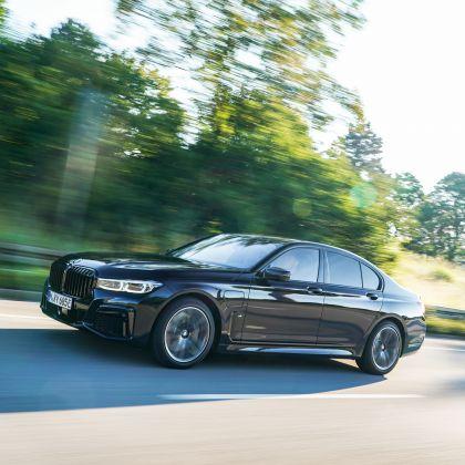 2019 BMW 745e 17