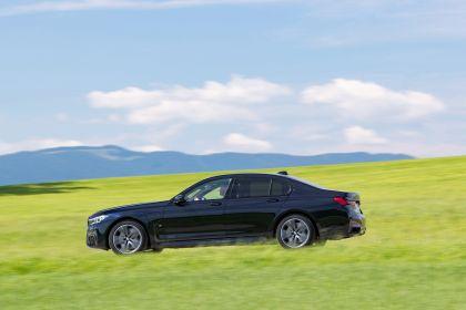 2019 BMW 745e 23
