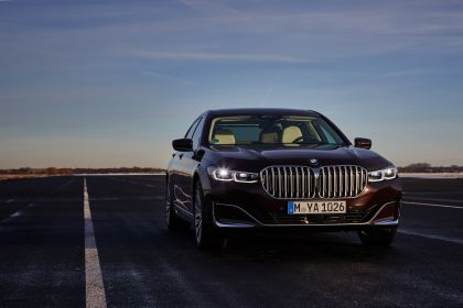 2019 BMW 745Le 7