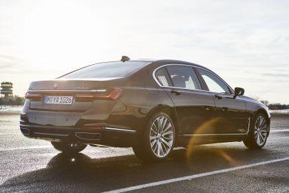 2019 BMW 745Le 9