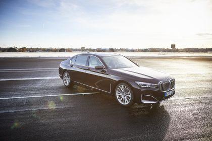 2019 BMW 745Le 10