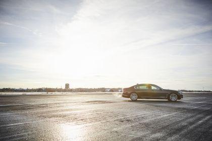 2019 BMW 745Le 12
