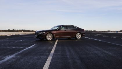 2019 BMW 745Le 14