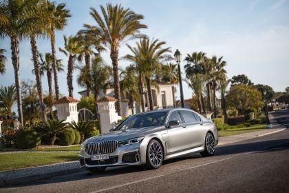 2019 BMW 745Le 25
