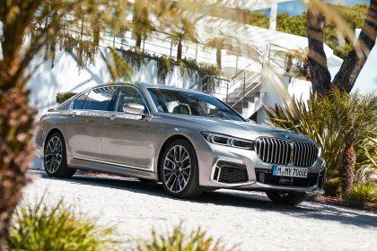 2019 BMW 745Le 28