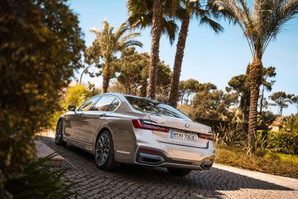 2019 BMW 745Le 29