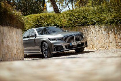 2019 BMW 745Le 33