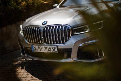 2019 BMW 745Le 38