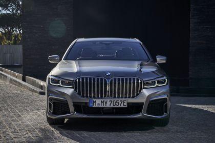 2019 BMW 745Le 47