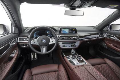 2019 BMW 745Le 91