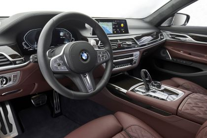 2019 BMW 745Le 94
