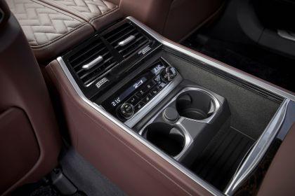 2019 BMW 745Le 99