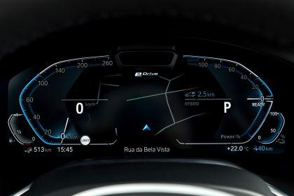 2019 BMW 745Le 104