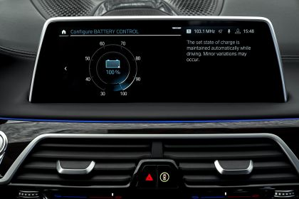 2019 BMW 745Le 106