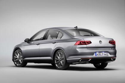 2020 Volkswagen Passat R-Line 2