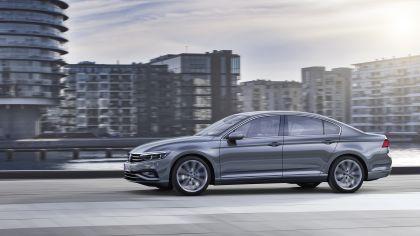 2020 Volkswagen Passat R-Line 8