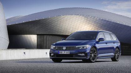 2020 Volkswagen Passat variant R-Line 10