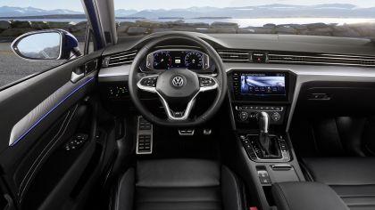 2020 Volkswagen Passat variant R-Line 19