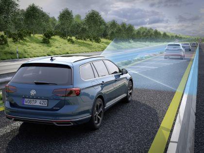 2020 Volkswagen Passat variant R-Line 23
