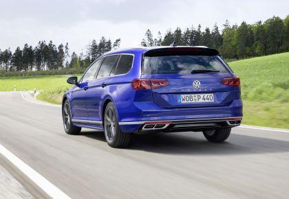 2020 Volkswagen Passat variant R-Line 34