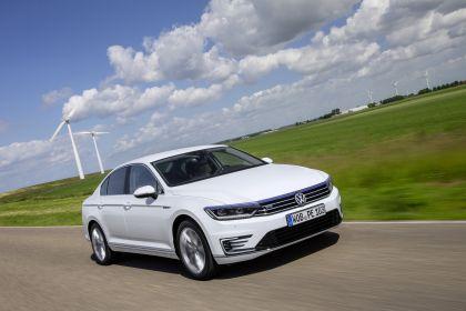 2020 Volkswagen Passat GTE 1