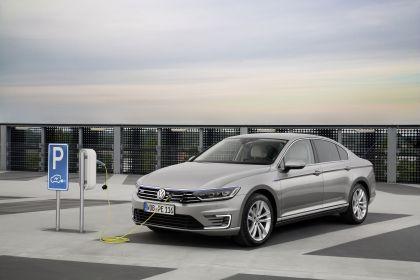 2020 Volkswagen Passat GTE 3