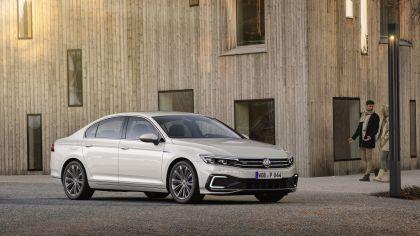 2020 Volkswagen Passat GTE 4