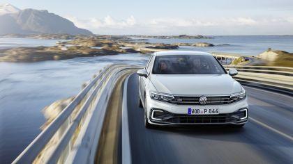 2020 Volkswagen Passat GTE 7