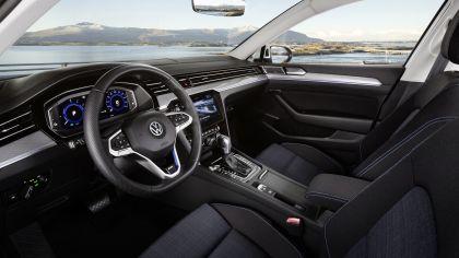 2020 Volkswagen Passat GTE 11