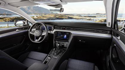 2020 Volkswagen Passat GTE 13