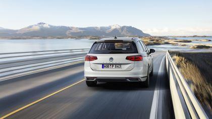 2020 Volkswagen Passat variant GTE 13