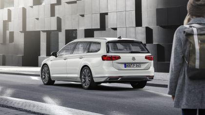 2020 Volkswagen Passat variant GTE 23
