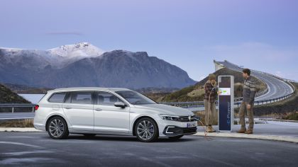 2020 Volkswagen Passat variant GTE 24