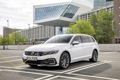 2020 Volkswagen Passat variant GTE 31