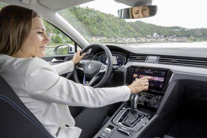 2020 Volkswagen Passat variant GTE 41