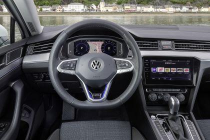 2020 Volkswagen Passat variant GTE 42