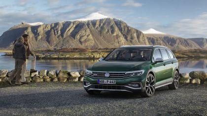 2020 Volkswagen Passat Alltrack 2