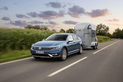 2020 Volkswagen Passat Alltrack 7