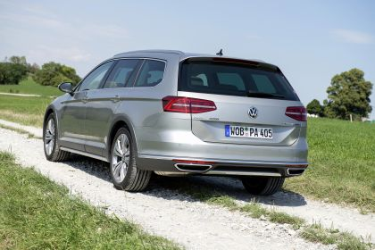 2020 Volkswagen Passat Alltrack 12