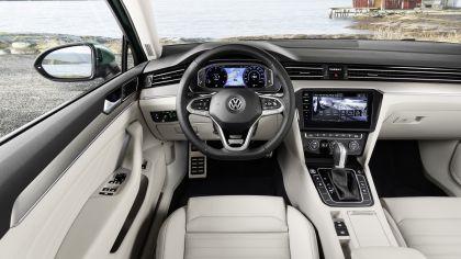 2020 Volkswagen Passat Alltrack 33